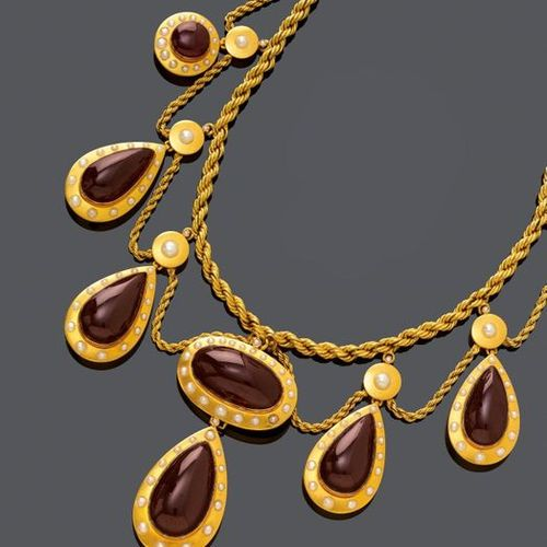*GARNET, PEARL AND GOLD NECKLACE. Pink gold 585, yellow gold plated, 78g. Triple…