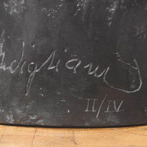 *AMEDEO MODIGLIANI (Livorno 1884–1920 Paris) Tête de jeune Fille à la Frange. Br…