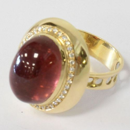 Bague RING in yellow gold (750) set with a large cabochon tourmaline in a settin…