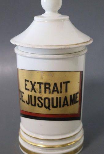 """Pot à pharmacie POT A PHARMACIE en porcelaine blanche à """"Extrait de Jusquiame"""". …"""
