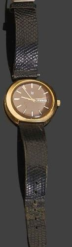 LIP Gold plated metal watch. Brown dial with date display Contact: MIRA Gold pla…