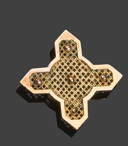 Pendant in yellow gold 750°/°° in the shape of a cross set with an onyx Pb:9,26 …