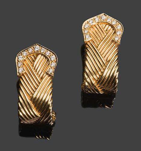 CARTIER C de Cartier Pair of earrings in 750°/°° yellow gold (18k) and diamonds,…