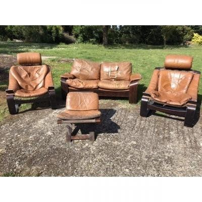 Salon Model KROKEN designer AKE FRIBYTER 1970. All in leather with two armchairs…