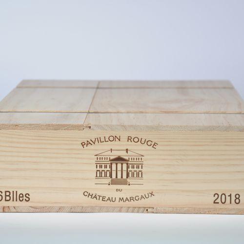 Pavillon Rouge, Château Margaux 2018 Lot d'une caisse bois de 6 bouteilles, Bord…