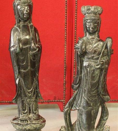 Art d'Asie. Couple de personnages en pierre dure. H du plus grand : 68 cm.