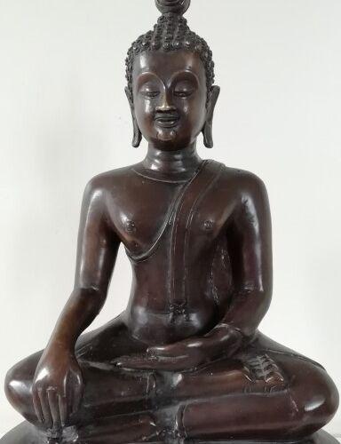 Thailande Bouddha en bronze, laqué noir, de style Sukhothai . Assis en virasana …