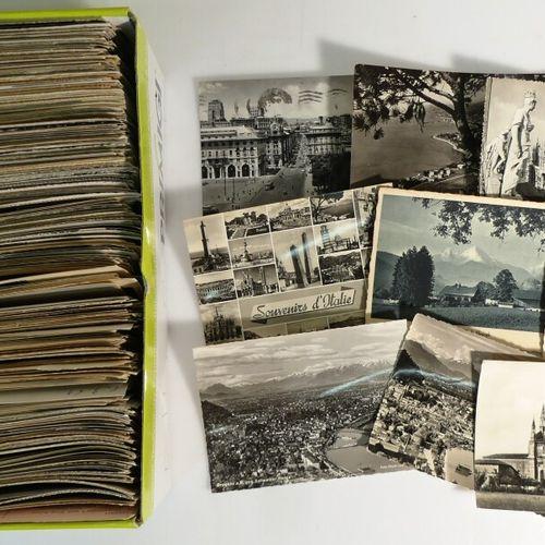 Lot de cartes postales étrangères. 700 env.