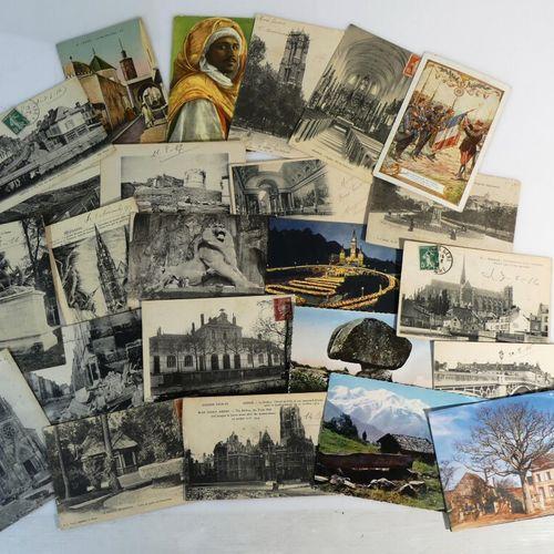 Boite de cartes postales (CPA et semi modernes) France et divers (700 env).
