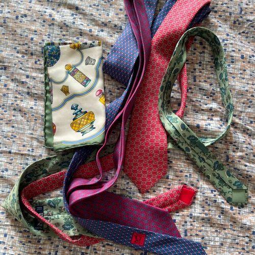 Lot de cravates (dont 4 Hermès) et foulards griffés (dont 1 Hermès).