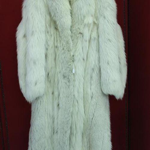 Manteau en renard argenté.