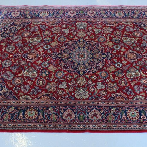 东方凯尚羊毛地毯。183 x 122厘米。