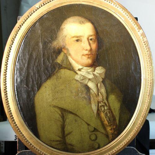 法国学校 十八世纪。椭圆形的绅士画像。布面油画。高度:57厘米。修复。