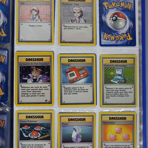 BLOC WIZARDS  Classeur comprenant une collection d'environ 150 cartes (énergies …