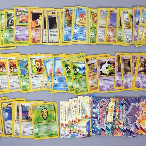 BLOC WIZARDS  Ensemble d'environ 85 cartes pokemon principalement en version FR,…