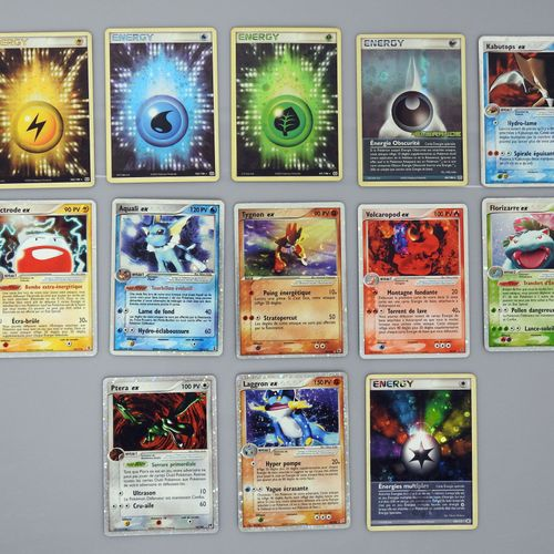BLOC EX  Ensemble de 8 cartes Ex, extensions diverses comprenant Laggron, Ptera,…