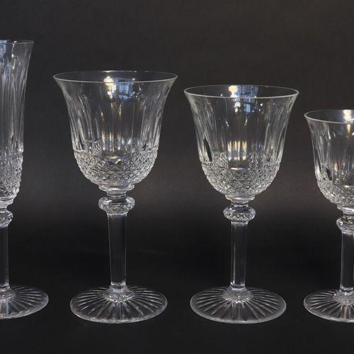 SAINT LOUIS Modèle Tommy  Partie de service de verres en cristal (50 pièces) com…