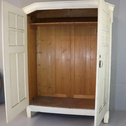 Ensemble de mobilier de toilette en sapin pin en blanc à décor de caissons carré…