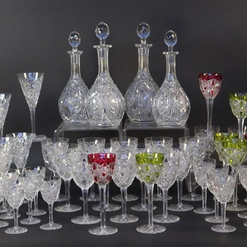BACCARAT Modèle Lagny  Service de verres en cristal (58 pièces) comprenant 12 ve…