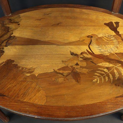 Paul GUTH (1878 1918)  Table d'appoint de forme ovale à plateau et entretoise ma…