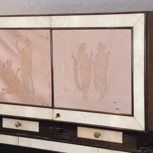 Paolo BUFFA (1903 1970), attribué à  Cabinet en acajou et placage gainé pour par…