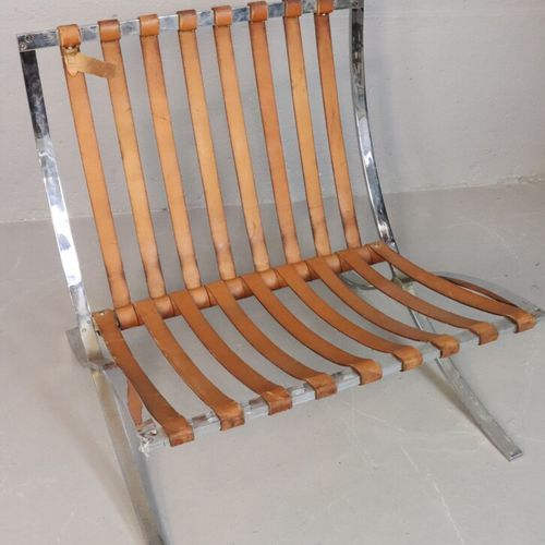 """Ludwig MIES VAN DER ROHE (1886 1969)  Paire de fauteuils modèle """"Barcelona"""", aci…"""
