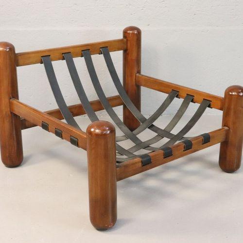Jean GILLON (1919 2007)  Paire de fauteuils, assise en cuir beige, sangles de cu…