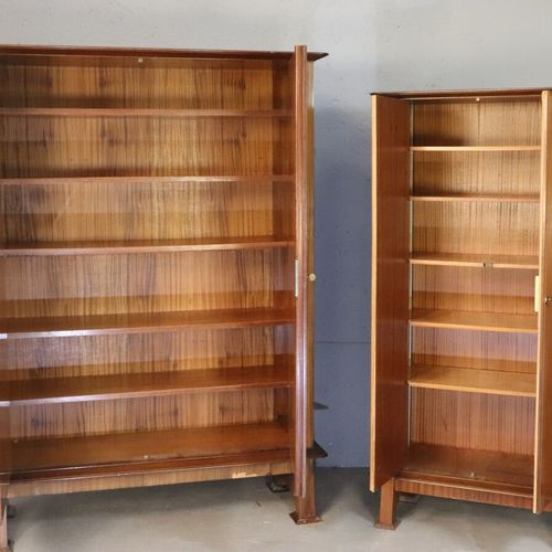 Cabinet de travail en placage d'acajou comprenant un bureau à caisson, une armoi…