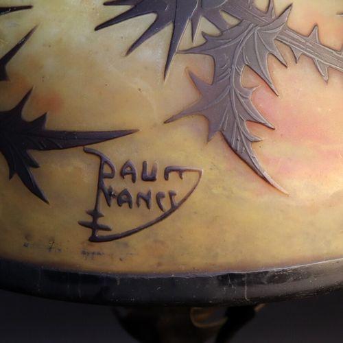 DAUM NANCY & Louis MAJORELLE (1859 1926)  Lampe de table à fût conique en tôle a…