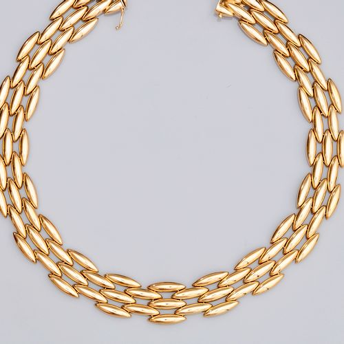 Collier en or, CARTIER CARTIER, necklace in yellow gold 750°/00, with three rows…