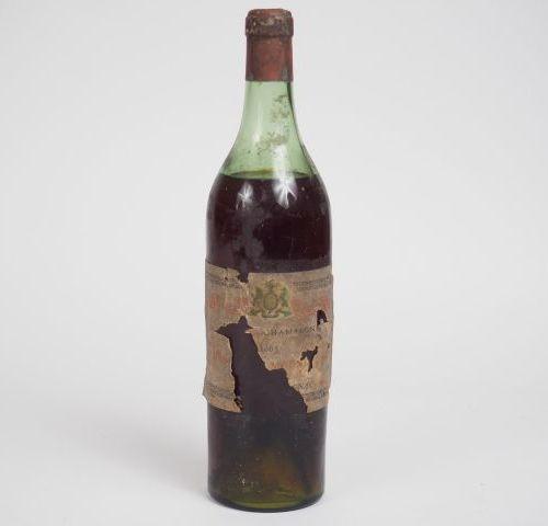 1 BOTTLE COGNAC FINE CHAMPAGNE DENIS MOUNIE 1865 Label very damaged Level: 6 cm
