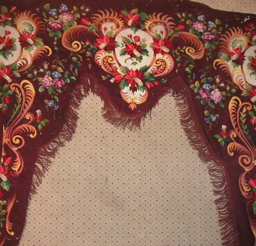 Tapestry valance, 19th century, garnet background, decoration of flowers in foli…