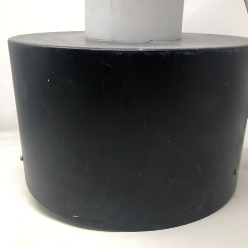 RAAK (Amsterdam) Suspension en métal laqué noir et verre H. : 42 cm (traces de p…
