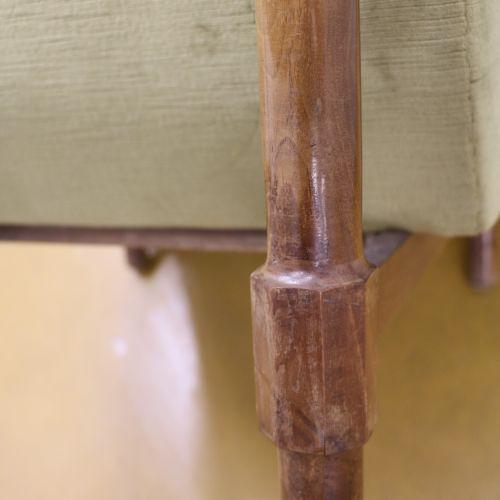 Attribué à Ico PARISI (1916 1996) Paire de fauteuils, velours vert et noyer Ital…