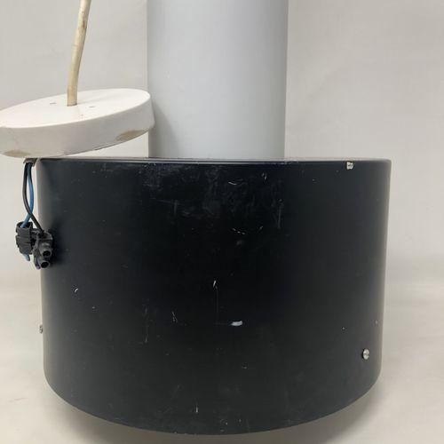 RAAK (Amsterdam) Suspension en métal laqué noir et verre H. : 42 cm (rayures, tr…