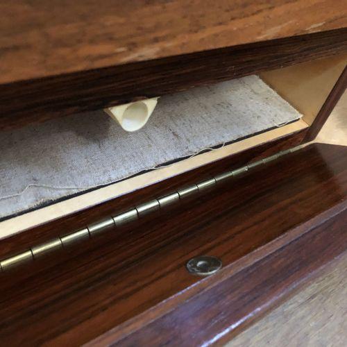 Joseph André MOTTE (1925 2013) Enfilade basse en deux parties, en bois de placag…