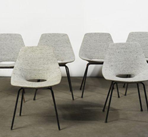 PIERRE GUARICHE (1926 1995)  Six chaises « Tonneau » Tissu gris chiné et métal l…