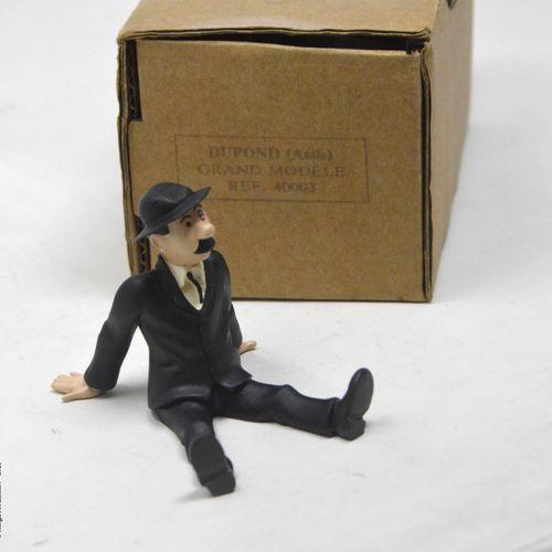TINTIN HERGÉ/PIXI  Collection Grands modèles  Dupond assis  Référence : 40003  A…