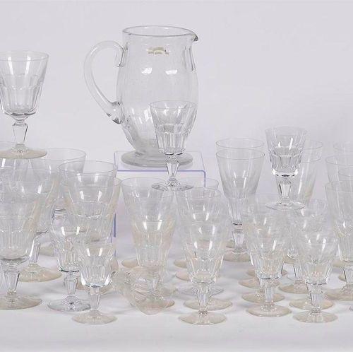BACCARAT: SERVICE «MISSOURI» de 48 pièces en cristal taillé composé d'un pich…