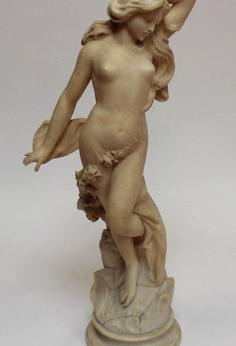 French school around 1900. Naiad. Sculpture in alabaster. (Repairs to the base, …