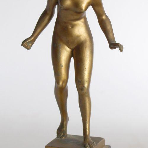 Hans KECK (1875 1941) Baigneuse. Bronze à patine dorée signé. H. 23 cm. Socle de…