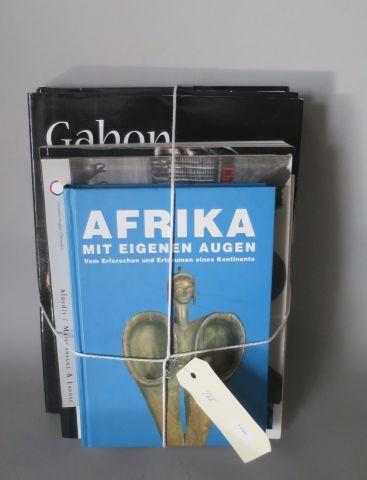 5 livres – Arts d'Afrique noire ( Dapper ) Gabon, présence des esprits ( Dapper …