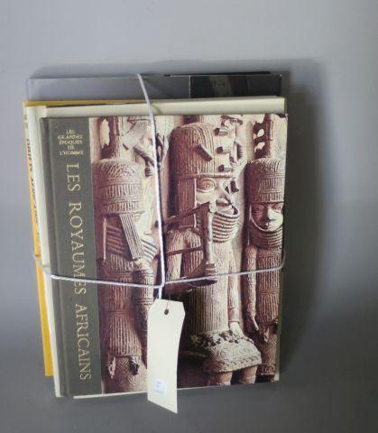5 livres Objets africains vie quotidienne Arts de cour ( L. Meyer ) Les royaumes…