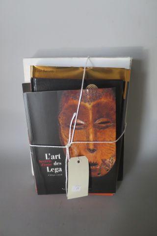 5 livres – L'Art Africain ( Citadelles/Mazenod) – Les éclaireurs sculpteurs d'Af…