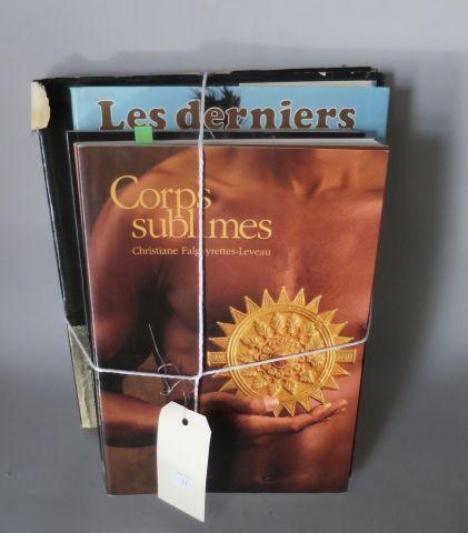 5 livres – Corps sublimes ( Dapper ) Mascarades et carnavals ( Dapper ) Chefs d'…