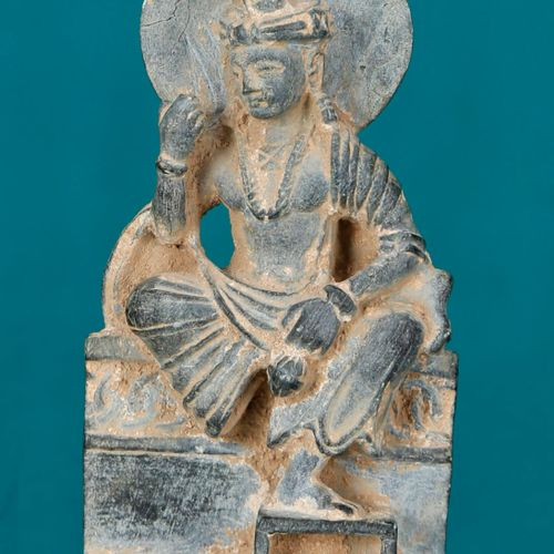 Gandhara, Afghanistan, IIe IIIe siècle BoddhisattvaEn pierre schiste grise, as…