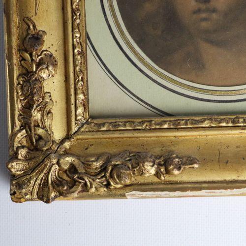Claude Jean Baptiste HOIN (Dijon 1750 1817)  Portrait de femme.  Crayon et rehau…