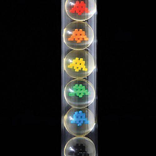 SPACE INVADER (1969)  Space balls, 2012  Set de 6 balles rebondissantes réalisée…