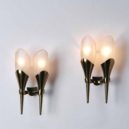Max Ingrand, Two wall lamps with brass structure and diffusers in thick frosted …