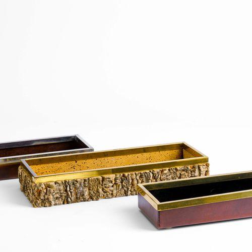 Gabirella Crespi, Set di tre scatole portaoggetti in cuoio e sughero con profili…